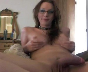 Hot amateur Shemale with Glasses
