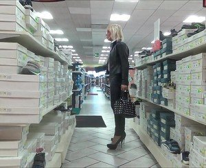 hot slut  shopping in milano