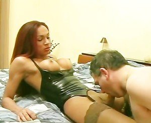 Hot Shemale has some fun with older